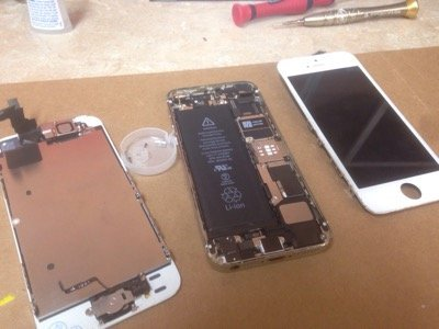 iPhone 5S Screen cracked